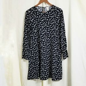 H&M black floral dress gray roses 90s chic loose 8
